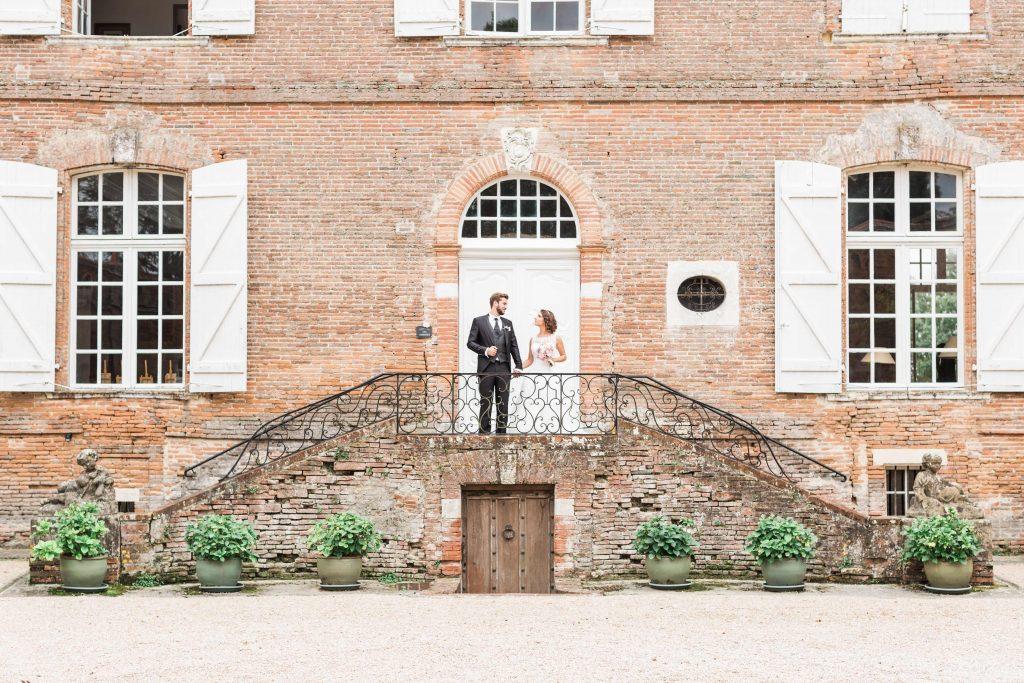 Les mariés après leur mariage civil. Julie Wedding Planner Lyon.